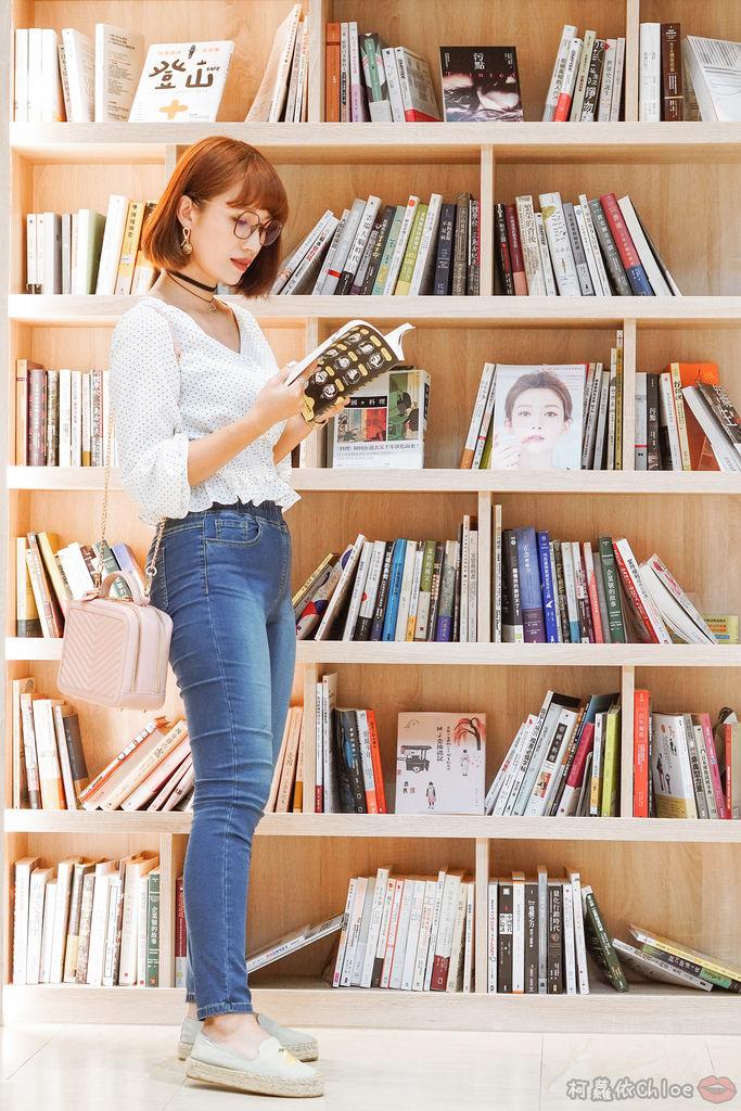 穿搭 修身美型 大動作不卡卡 打造視覺顯瘦感!MARIN 美塑高彈牛仔褲 LOOKBOOK7.jpg