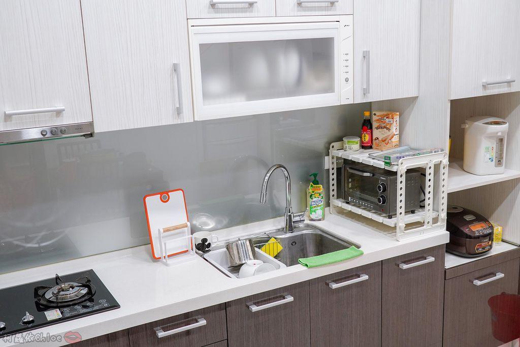 生活 特力屋好物分享 運用空間兼具品味質感的廚房收納 廚具收納架和風砧板立架21.jpg