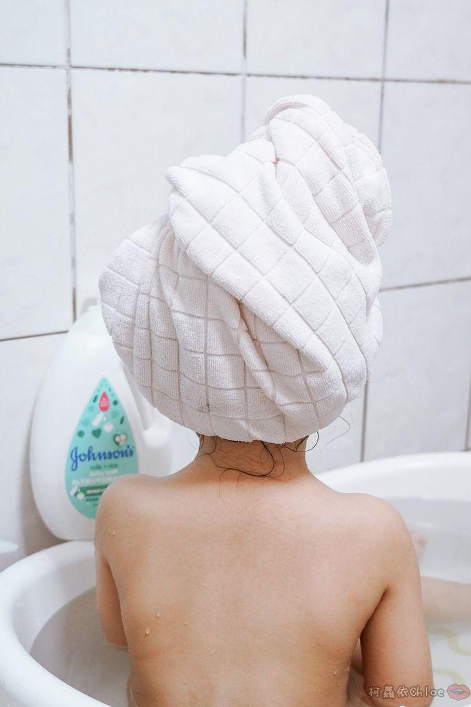 育兒好物 給寶寶最極致的溫和守護!全新嬌生 新升級嬌生嬰兒牛奶純米沐浴乳 活力亮澤洗髮露 甜夢潤膚乳13.jpg