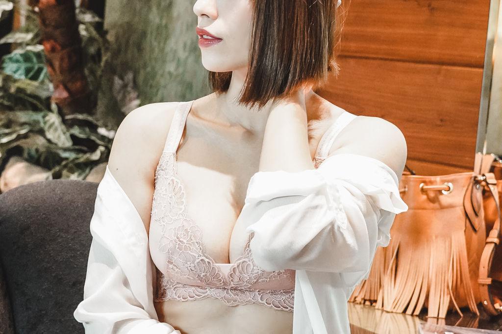 無鋼圈內衣挑選 不束縛又包覆!亞曼菲無鋼圈內衣讓女人更寵愛自己16.jpg