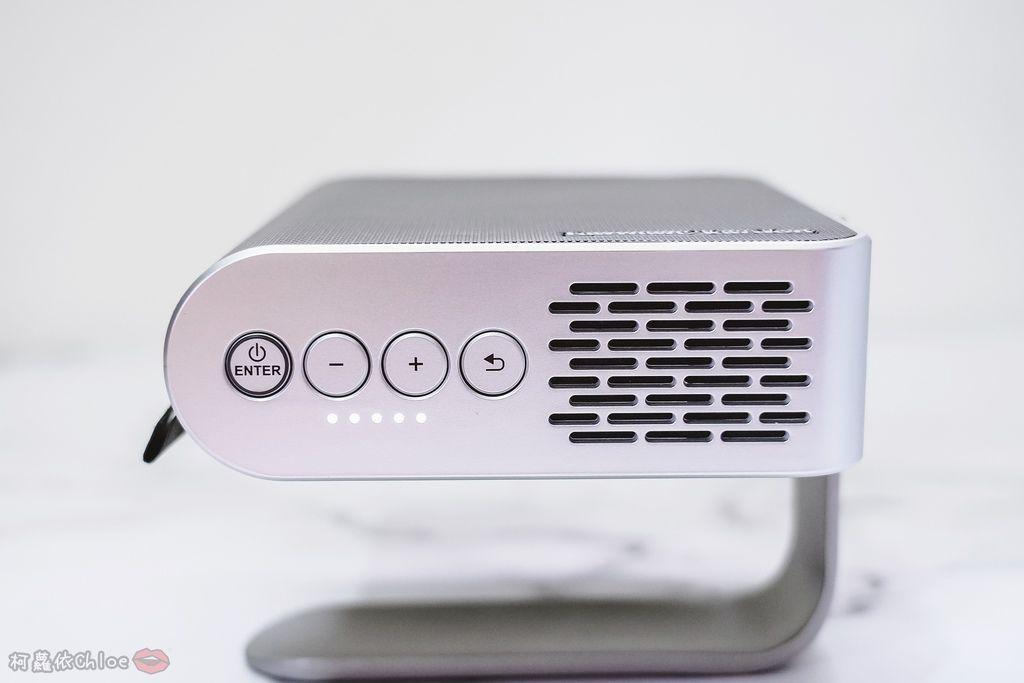 開箱 ViewSonic M1+ WVGA 360度無線巧攜投影機 迷你輕巧實用性超高!無線投影讓我追劇更享受!家庭娛樂、商務、露營適用10.jpg