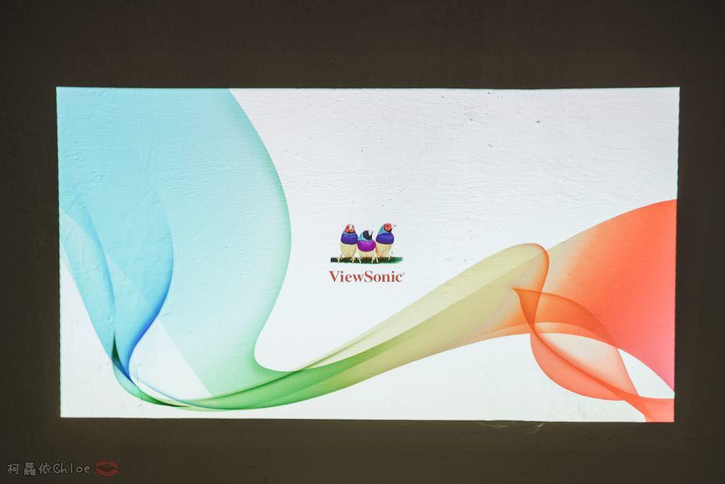 開箱 ViewSonic M1+ WVGA 360度無線巧攜投影機 迷你輕巧實用性超高!無線投影讓我追劇更享受!家庭娛樂、商務、露營適用13.jpg