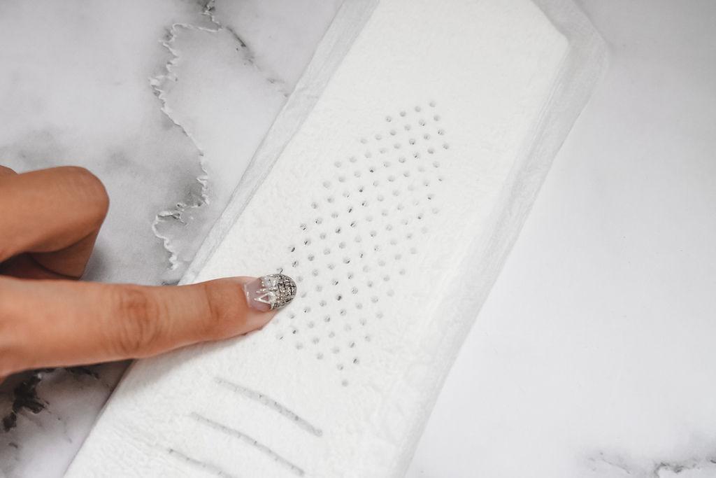 不悶熱衛生棉推薦 好自在液體衛生棉 超驚人的黑洞吸收力 實測大公開 沒感覺就是最好的感覺14.JPG