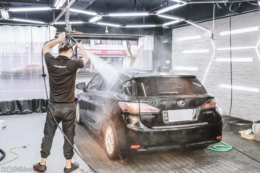 士林汽車美容推薦 MOC墨刻鍍膜 頂級鍍膜工藝 安全無毒 讓愛車亮晶晶 全家出遊超安心24.jpg
