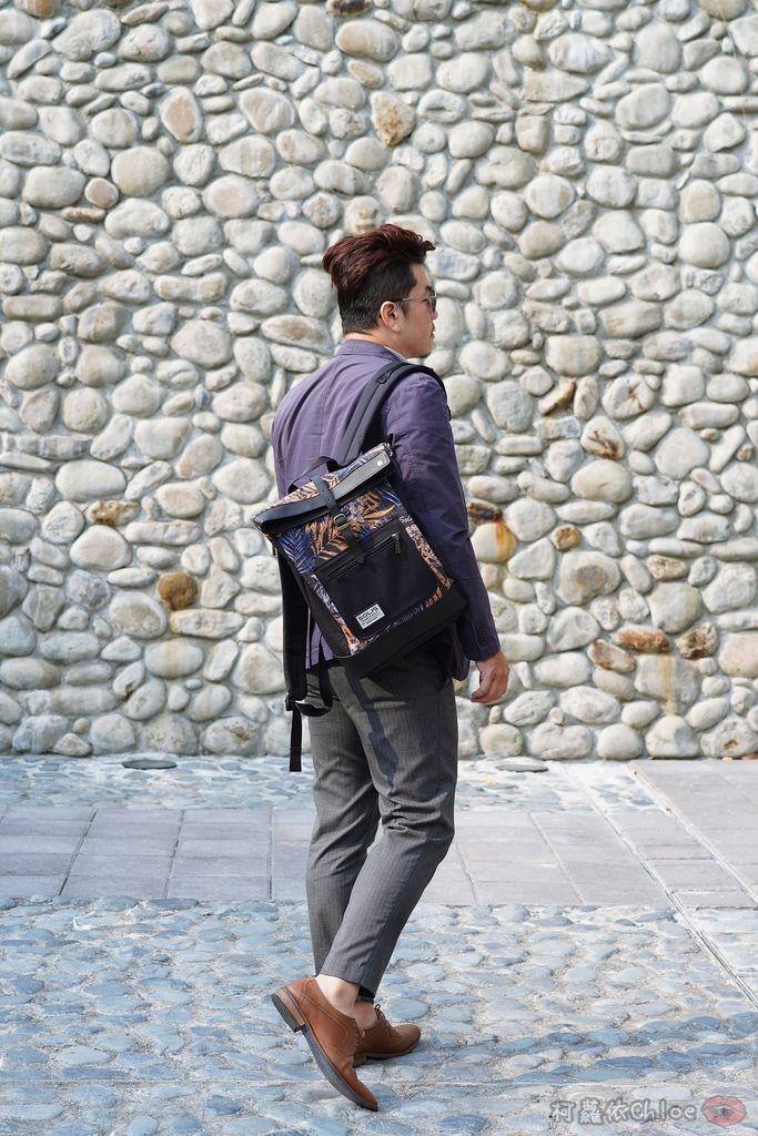 環保時尚包 SOLIS防撥水後背包 工作 休閒都適合的機能性筆電背包18.jpg