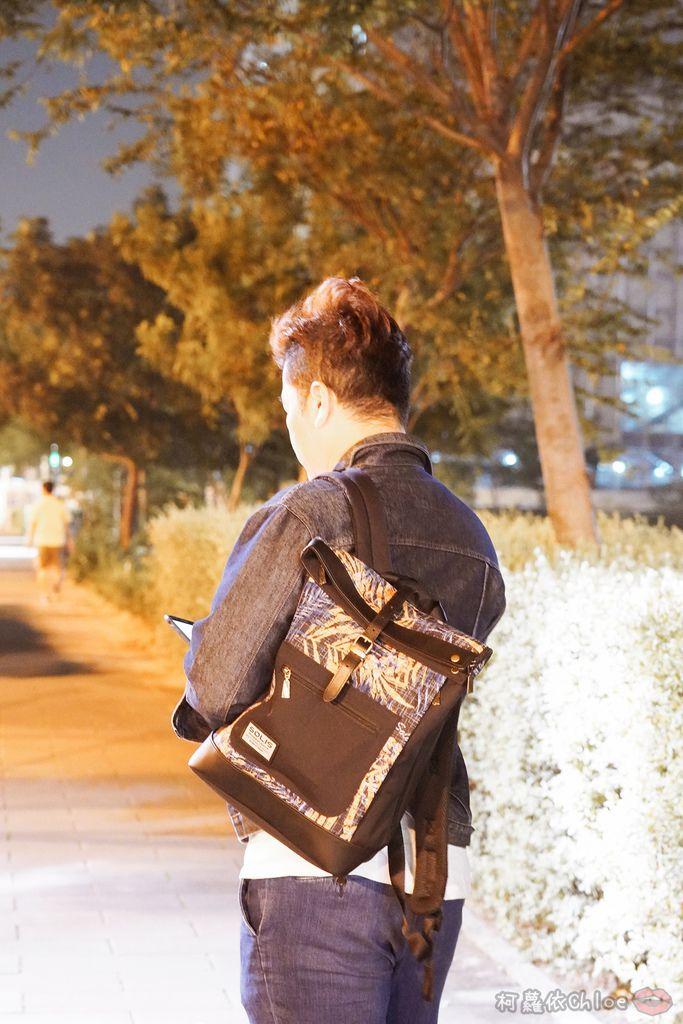 環保時尚包 SOLIS防撥水後背包 工作 休閒都適合的機能性筆電背包25.jpg