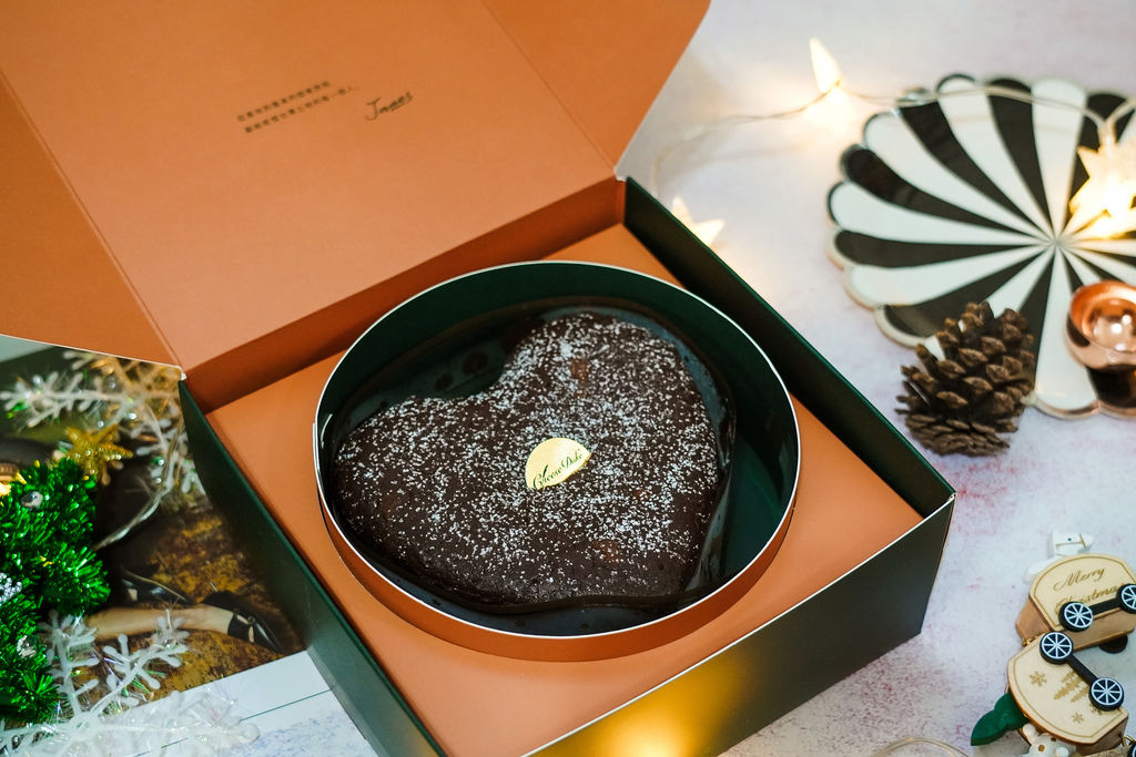 2019聖誕節交換禮物送禮推薦 起士公爵介紹75%皇家布朗尼 80%比利時手工生巧克力 細緻綿密口感大人氣!4.JPG