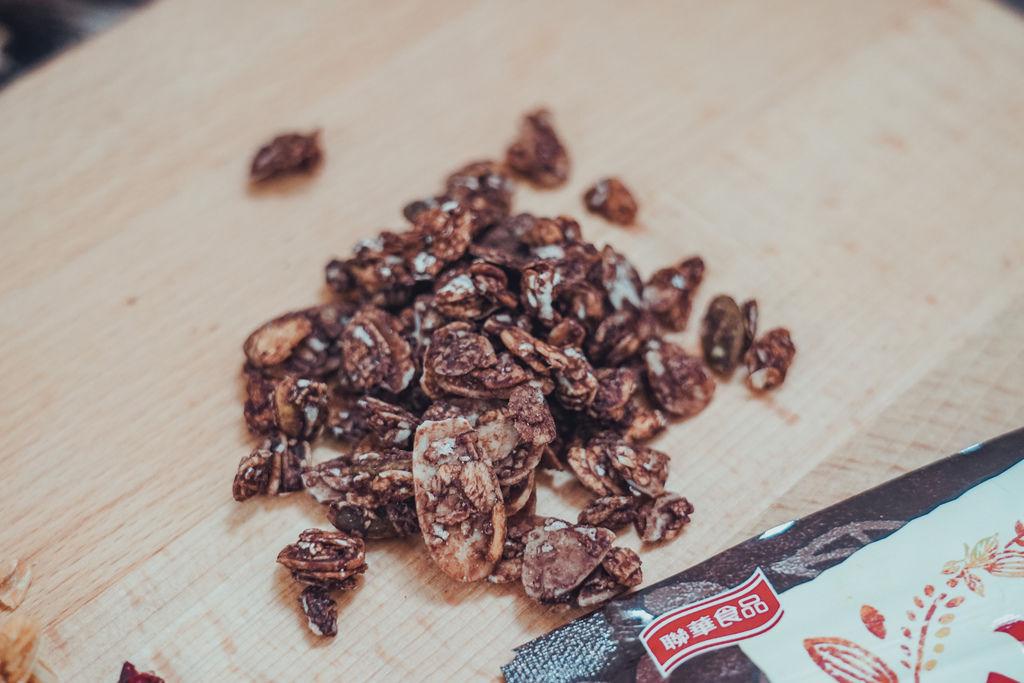 早餐穀物 用萬歲牌堅穀力開啟一整天滿滿活力 巧克力杏仁%26;蜂蜜椰香9.jpg