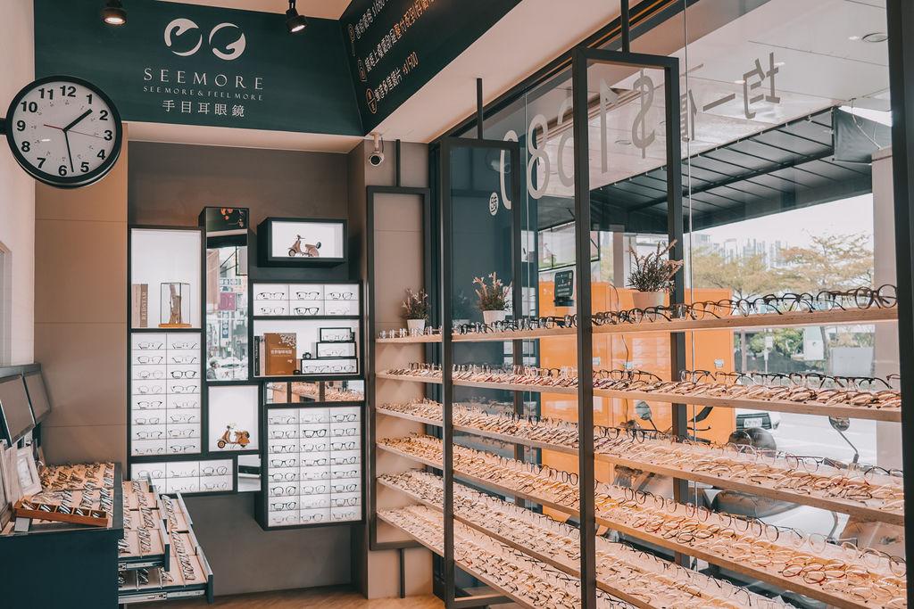 台南手目耳眼鏡 享受一杯好咖啡 獨家旅行式配鏡 無壓力挑選專屬自己的眼鏡4.jpg