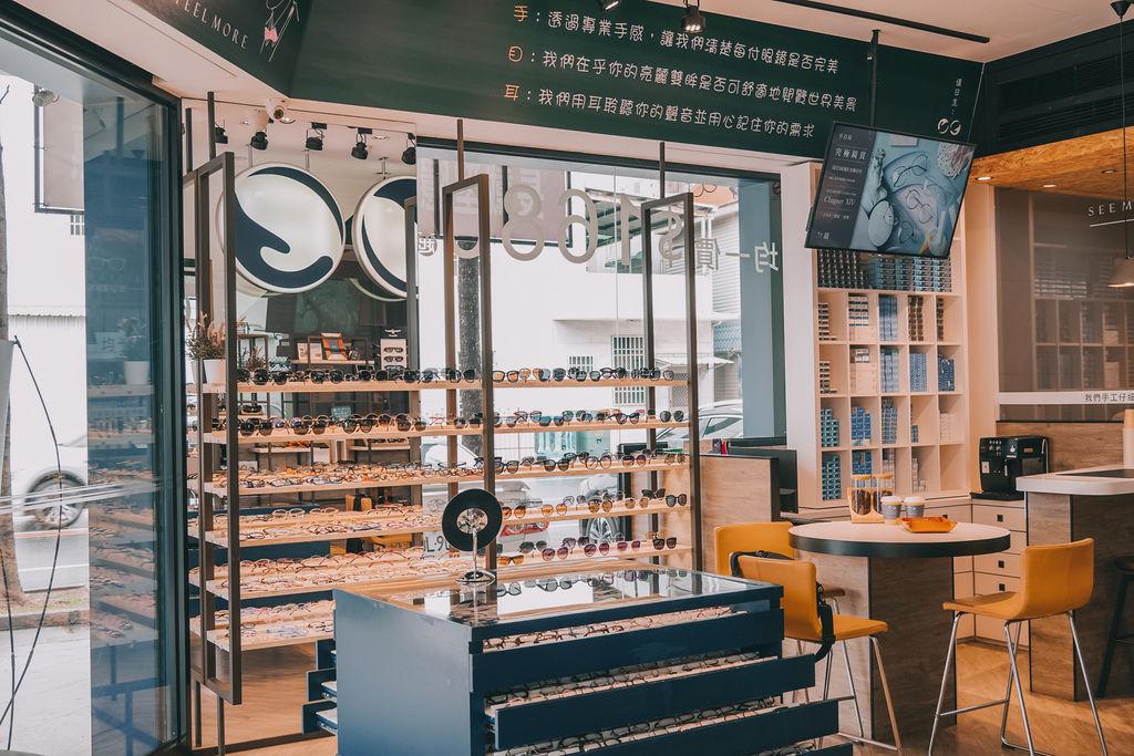 台南手目耳眼鏡 享受一杯好咖啡 獨家旅行式配鏡 無壓力挑選專屬自己的眼鏡5.jpg