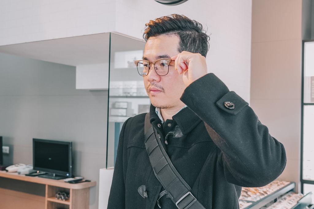 台南手目耳眼鏡 享受一杯好咖啡 獨家旅行式配鏡 無壓力挑選專屬自己的眼鏡19.jpg
