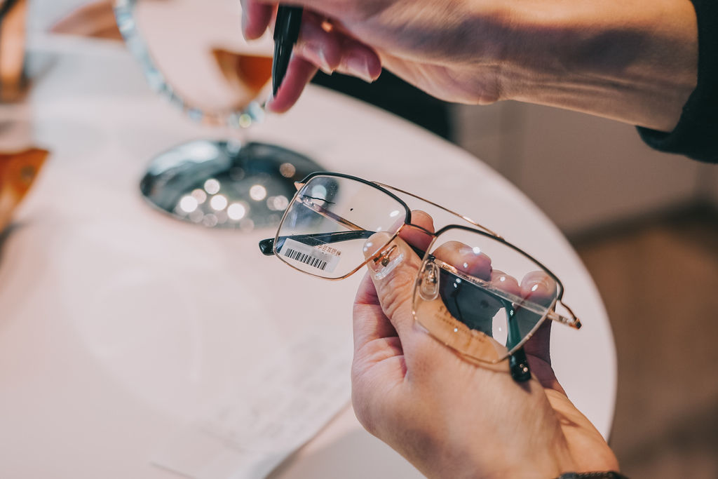 台南手目耳眼鏡 享受一杯好咖啡 獨家旅行式配鏡 無壓力挑選專屬自己的眼鏡35.jpg