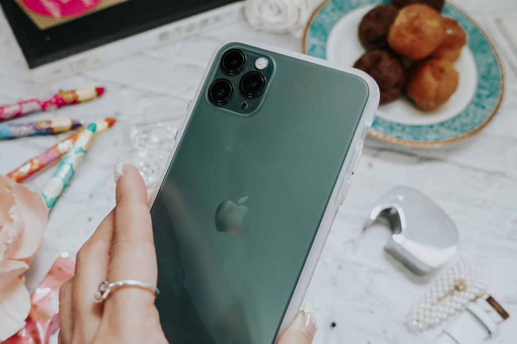 客製化手機殼推薦 Dearcase貝拉殼 防摔殼 訂製名字專屬自己的時尚 iPhone 11 Pro Max夜幕綠6.jpg