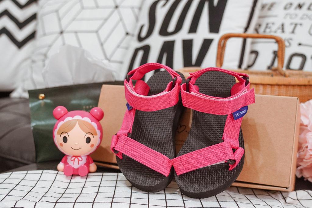 親子穿搭 FM時尚美鞋 兒童涼鞋 好穿舒適又時尚 親子涼鞋LOOKBOOK3.jpg