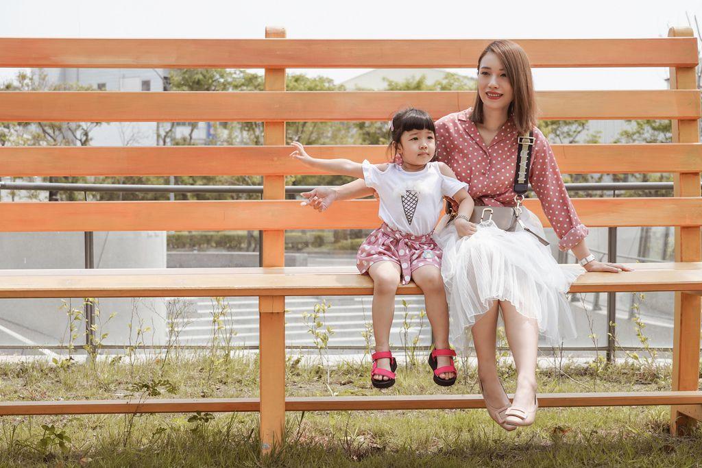 親子穿搭 FM時尚美鞋 兒童涼鞋 好穿舒適又時尚 親子涼鞋LOOKBOOK1.jpg