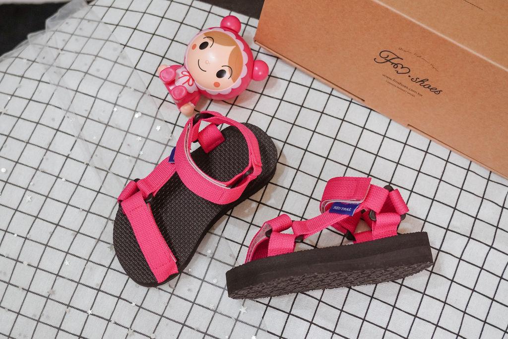 親子穿搭 FM時尚美鞋 兒童涼鞋 好穿舒適又時尚 親子涼鞋LOOKBOOK4.jpg
