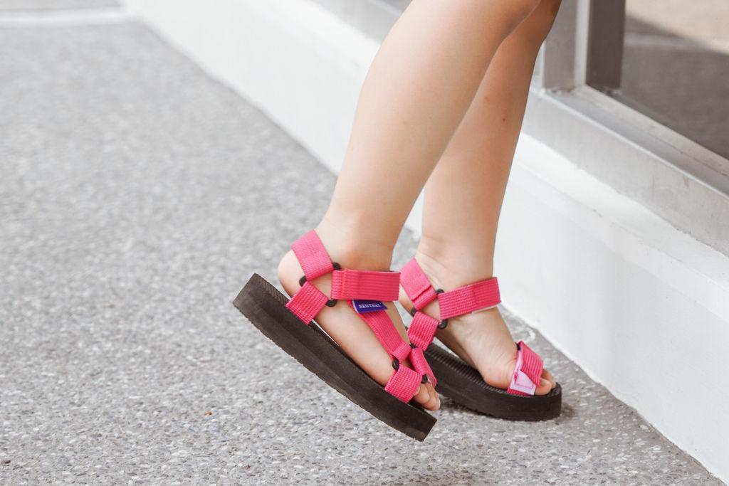 親子穿搭 FM時尚美鞋 兒童涼鞋 好穿舒適又時尚 親子涼鞋LOOKBOOK8.jpg