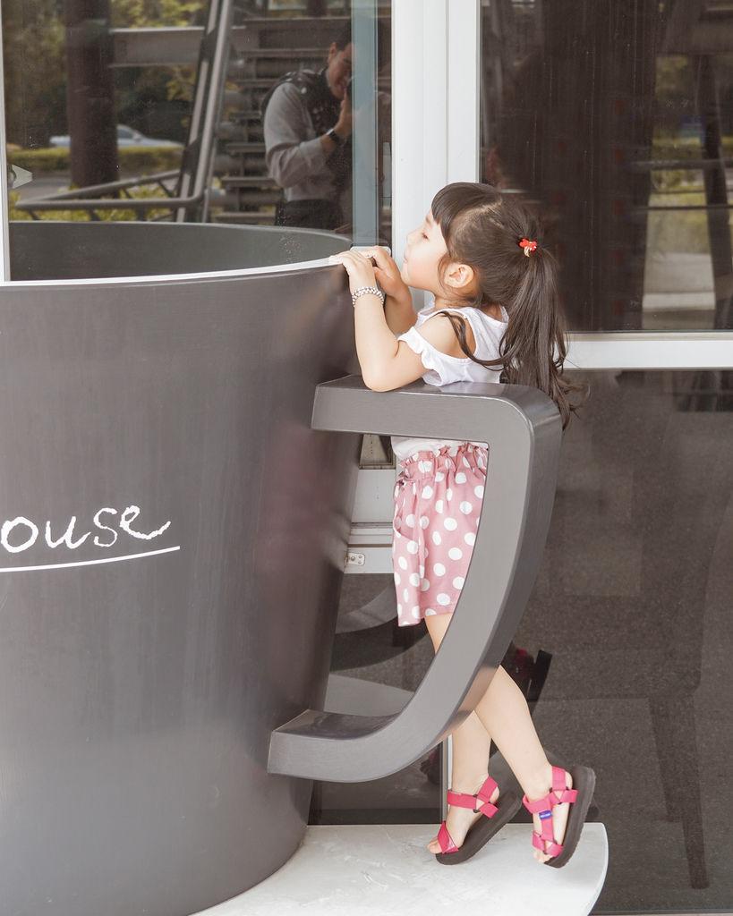 親子穿搭 FM時尚美鞋 兒童涼鞋 好穿舒適又時尚 親子涼鞋LOOKBOOK14.jpg