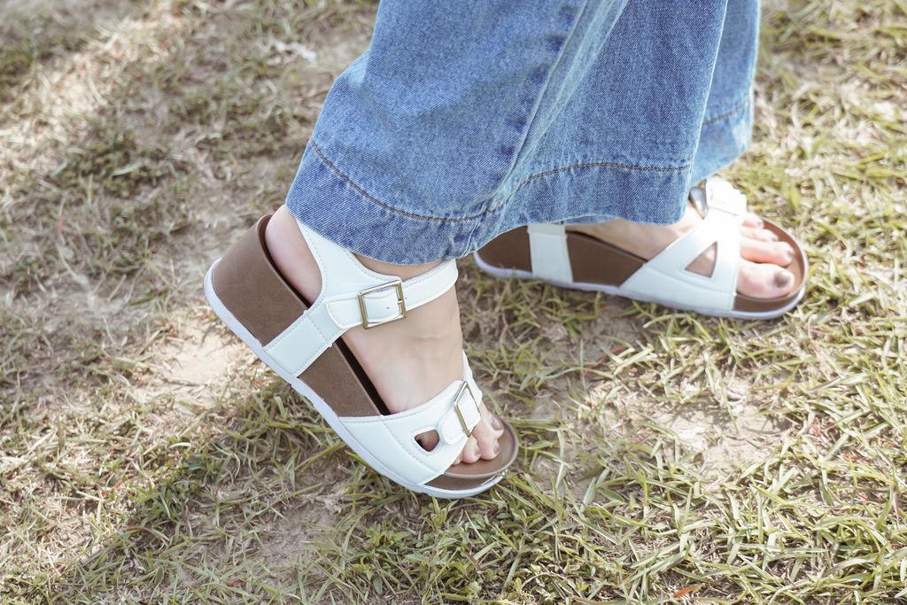 親子穿搭 FM時尚美鞋 兒童涼鞋 好穿舒適又時尚 親子涼鞋LOOKBOOK24.jpg