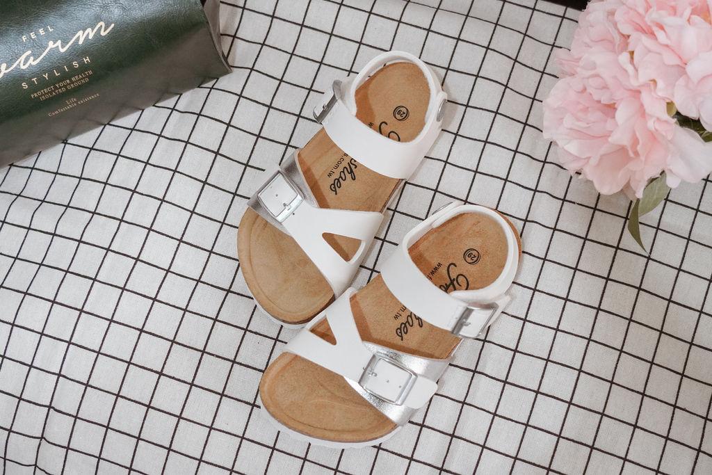 親子穿搭 FM時尚美鞋 兒童涼鞋 好穿舒適又時尚 親子涼鞋LOOKBOOK27.jpg
