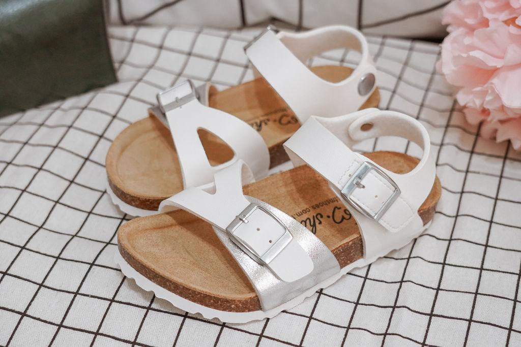 親子穿搭 FM時尚美鞋 兒童涼鞋 好穿舒適又時尚 親子涼鞋LOOKBOOK28.jpg