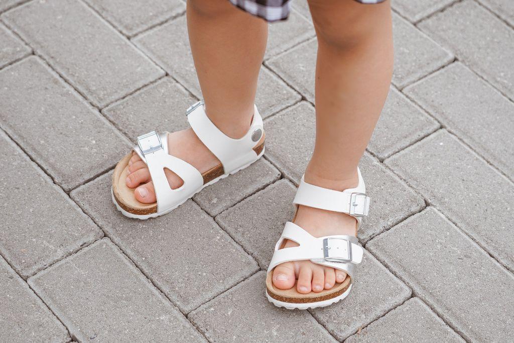 親子穿搭 FM時尚美鞋 兒童涼鞋 好穿舒適又時尚 親子涼鞋LOOKBOOK30.jpg