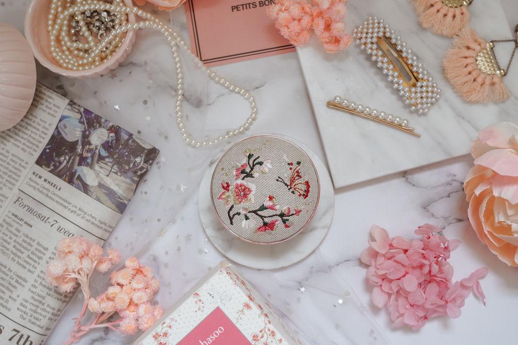 美妝購物|Qoo10購物平台韓國直送享優惠 Sulwhasoo 雪花秀 完美瓷肌氣墊粉霜(2020幸運花園限量版)10.jpg