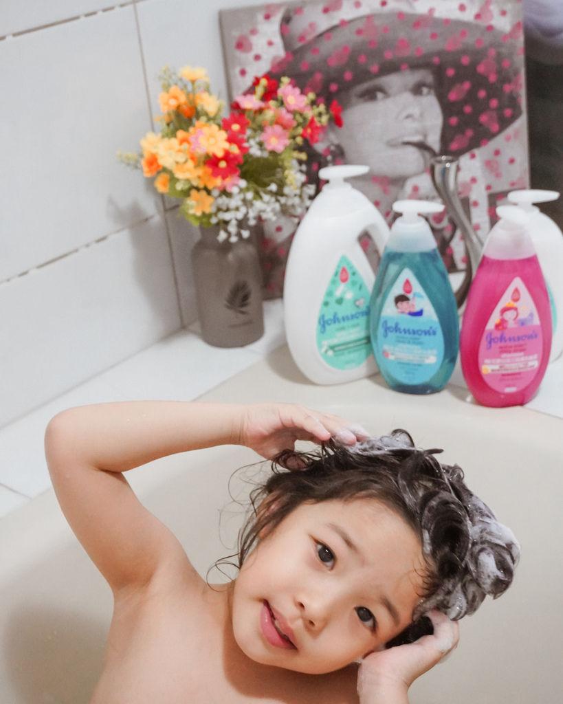 嬌生嬰兒沐浴系列 大寶貝的洗澡好朋友 公主和英雄一起進入嬌生奇幻王國吧!9.JPG