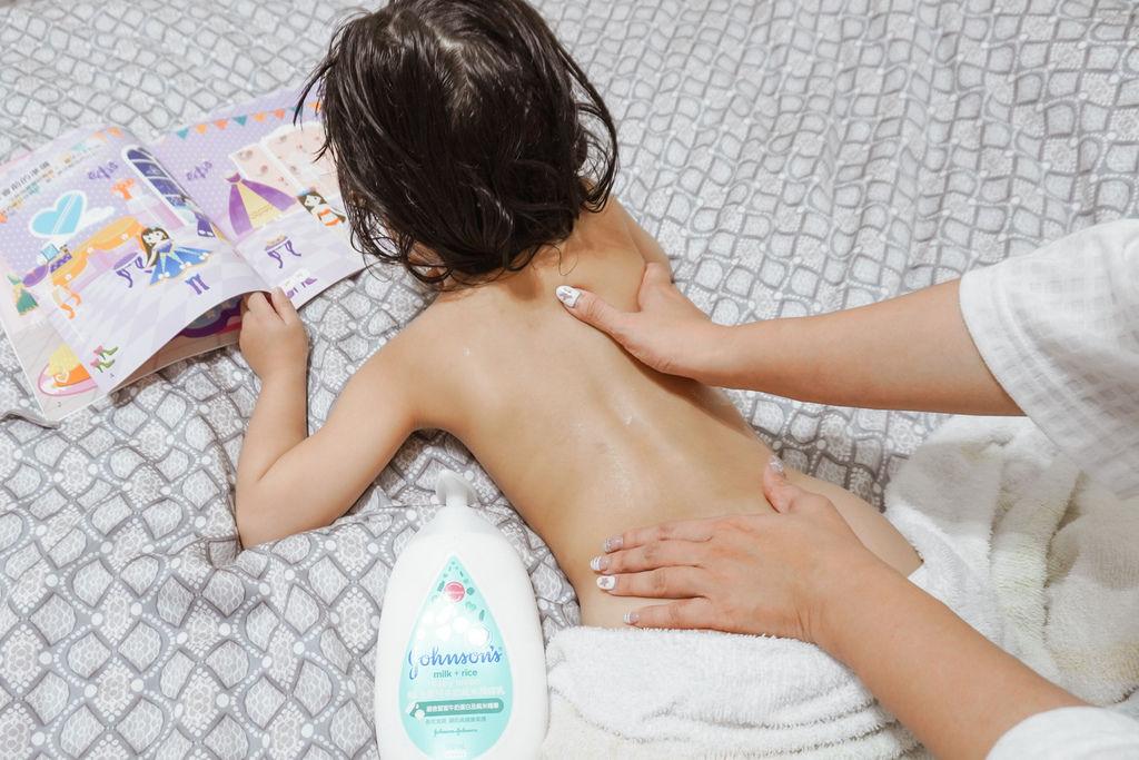嬌生嬰兒沐浴系列 大寶貝的洗澡好朋友 公主和英雄一起進入嬌生奇幻王國吧!21.JPG