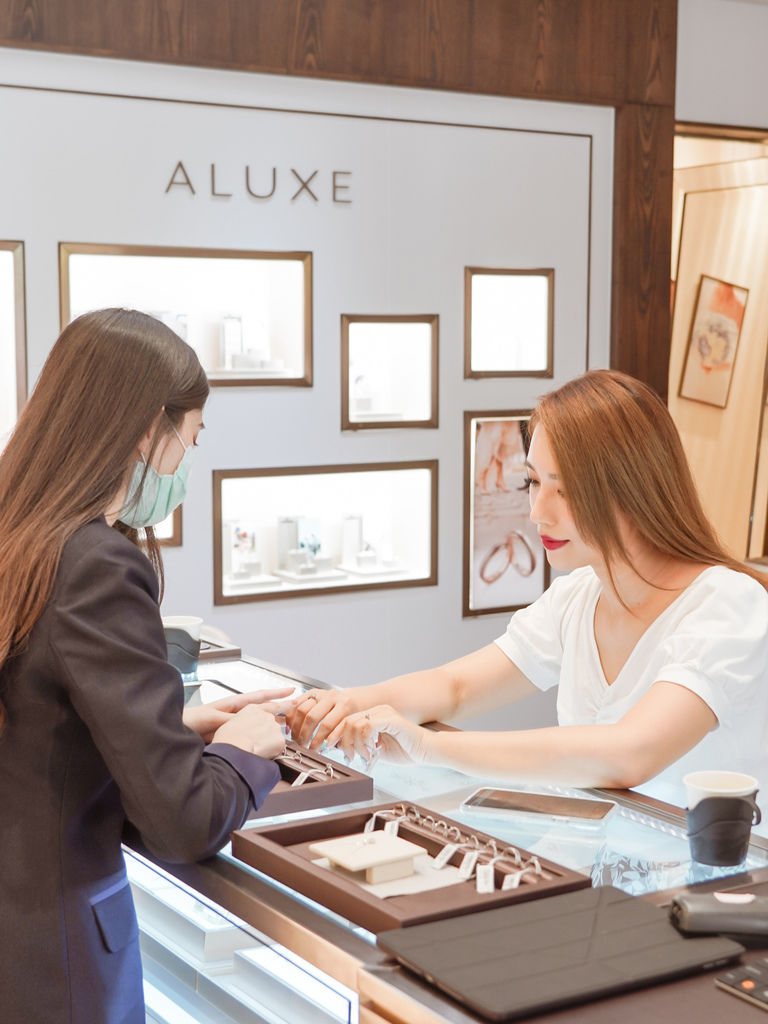 婚戒推薦|ALUXE亞立詩高雄博愛門市 品牌四大優勢為每一對新人傳遞幸福15.jpg