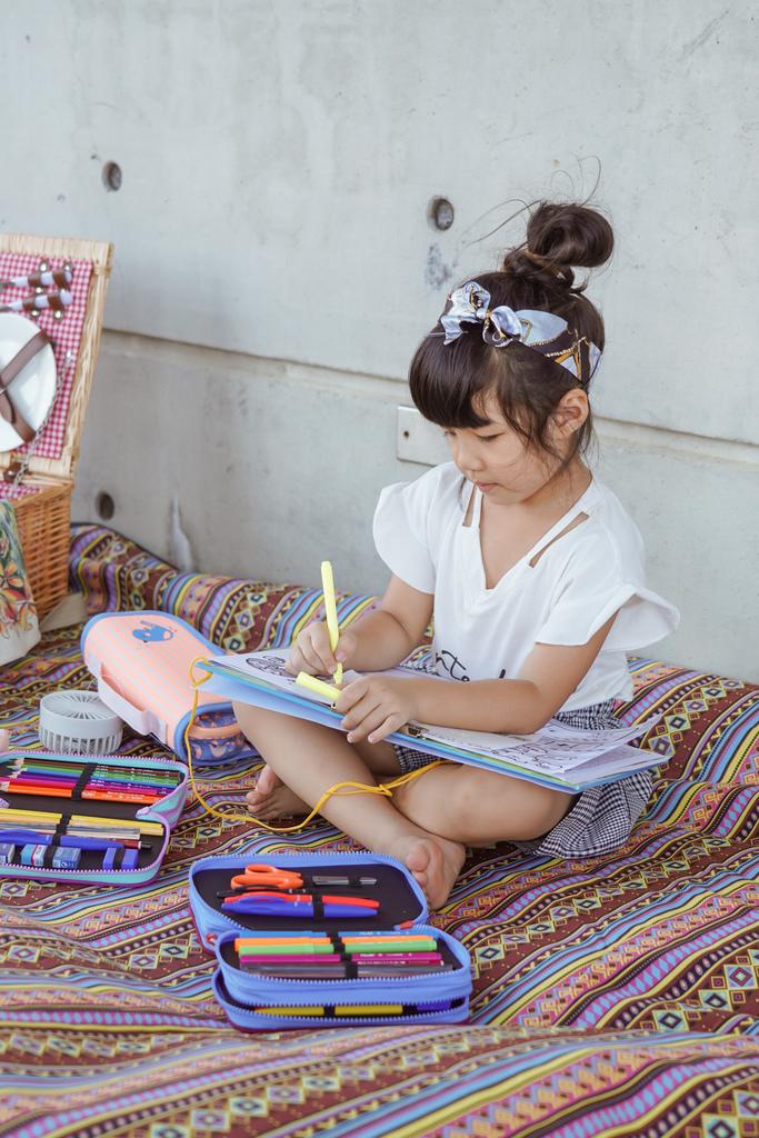 大人小孩都瘋狂的文具懶人包!MILAN隨行畫筆袋著走 Funmi#創樂宇宙 質感文具必入手41.JPG