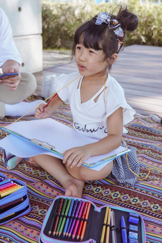 大人小孩都瘋狂的文具懶人包!MILAN隨行畫筆袋著走 Funmi#創樂宇宙 質感文具必入手49.JPG