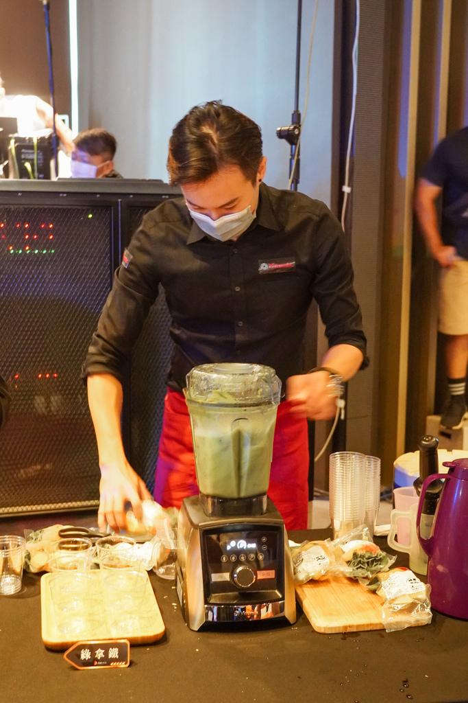 Vitamix 史上第一台超跑級調理機 廚房界的超跑 一鍵按下輕鬆完成食尚美味 Vitamix 領航者調理機 A3500i %26; A2500i 正式發表上市11.jpg