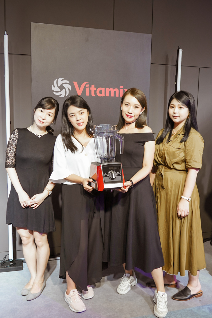 Vitamix 史上第一台超跑級調理機 廚房界的超跑 一鍵按下輕鬆完成食尚美味 Vitamix 領航者調理機 A3500i %26; A2500i 正式發表上市20A.jpg
