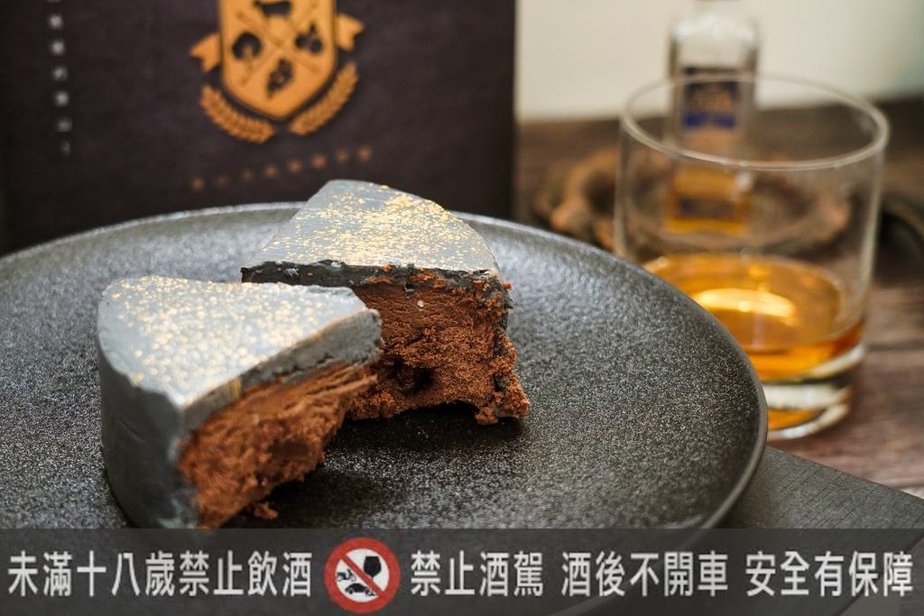 2020父親節蛋糕推薦 台南起士公爵 磐石威士忌乳酪蛋糕 爸氣十足又時尚12.jpg