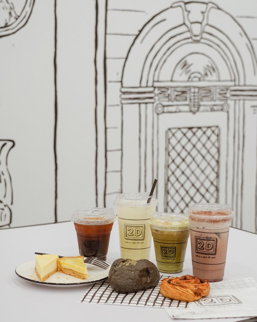 高雄2D Cafe 走進黑白漫畫裡 甜點咖啡美照拍不停 進瑞豐夜市 巨蛋站2號出口34.jpg