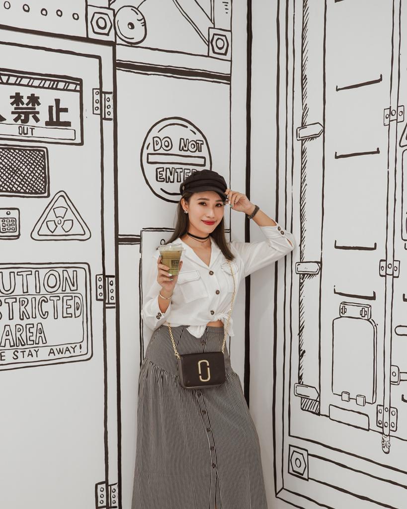 高雄2D Cafe 走進黑白漫畫裡 甜點咖啡美照拍不停 進瑞豐夜市 巨蛋站2號出口35.jpg