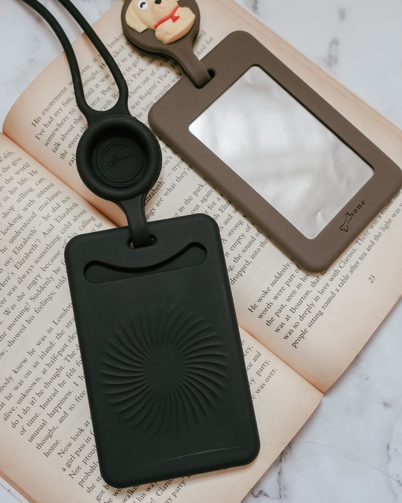 Bone 頸掛開窗識別證套 識別證 卡片 雙卡不干擾 輕鬆帶著走8.JPG