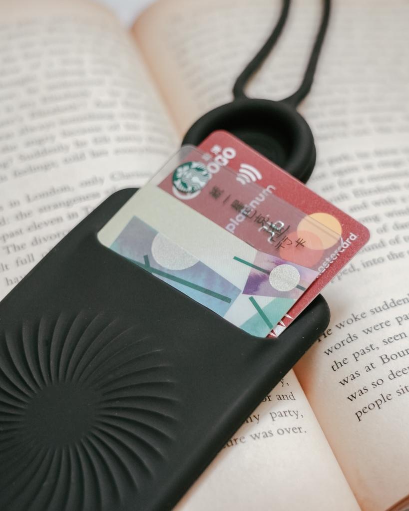 Bone 頸掛開窗識別證套 識別證 卡片 雙卡不干擾 輕鬆帶著走9.JPG