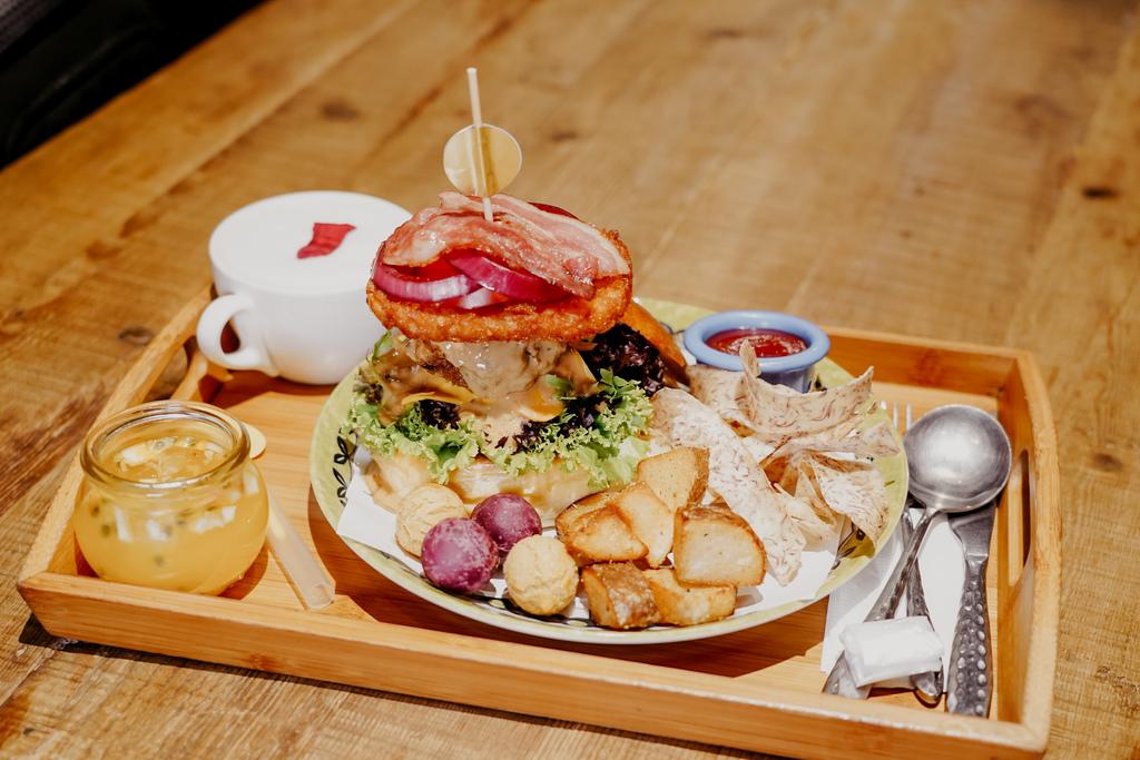 高雄早午餐推薦 多一點咖啡館-文化館 異國料理多樣化餐點 分量充足 聚餐好去處20.jpg