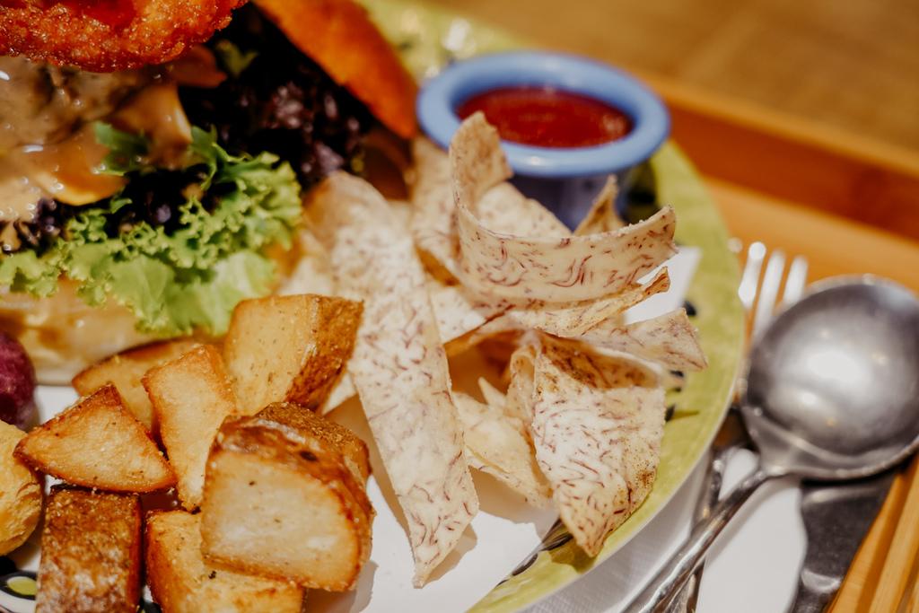 高雄早午餐推薦 多一點咖啡館-文化館 異國料理多樣化餐點 分量充足 聚餐好去處23.jpg