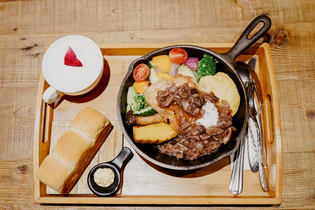 高雄早午餐推薦 多一點咖啡館-文化館 異國料理多樣化餐點 分量充足 聚餐好去處30.jpg
