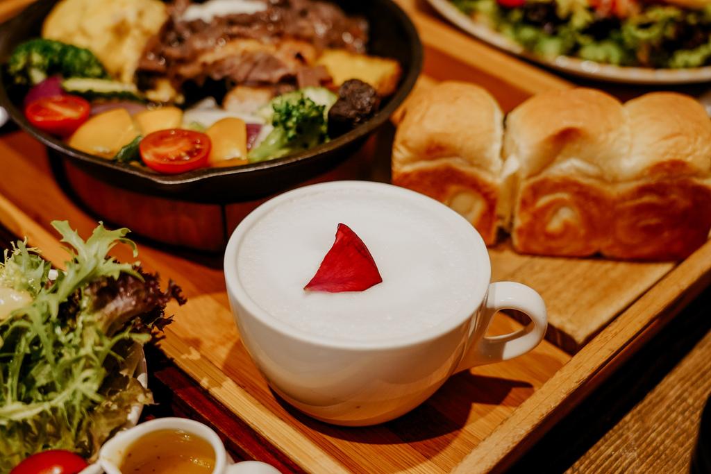 高雄早午餐推薦 多一點咖啡館-文化館 異國料理多樣化餐點 分量充足 聚餐好去處34A.jpg