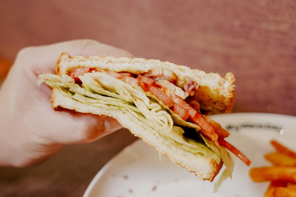麥味登 屏東東港中山店 享受平價美味的早午餐 今天吃什麼APP23.jpg