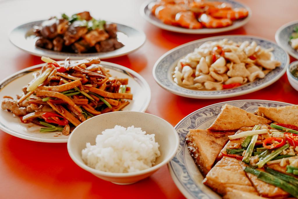 潮州美食 灘頭客家常菜 屏東潮州在地的好味道 滷豬腳、薑絲大腸、紅燒豆腐必點11B.jpg