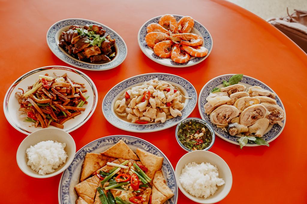 潮州美食 灘頭客家常菜 屏東潮州在地的好味道 滷豬腳、薑絲大腸、紅燒豆腐必點11A.jpg