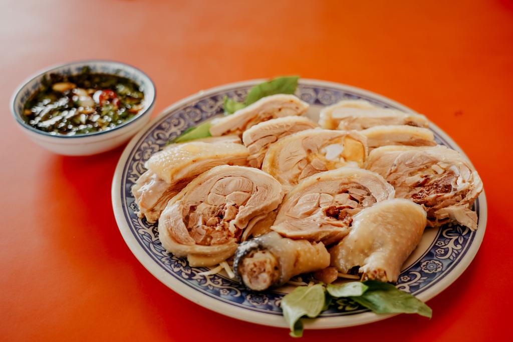 潮州美食 灘頭客家常菜 屏東潮州在地的好味道 滷豬腳、薑絲大腸、紅燒豆腐必點12.jpg