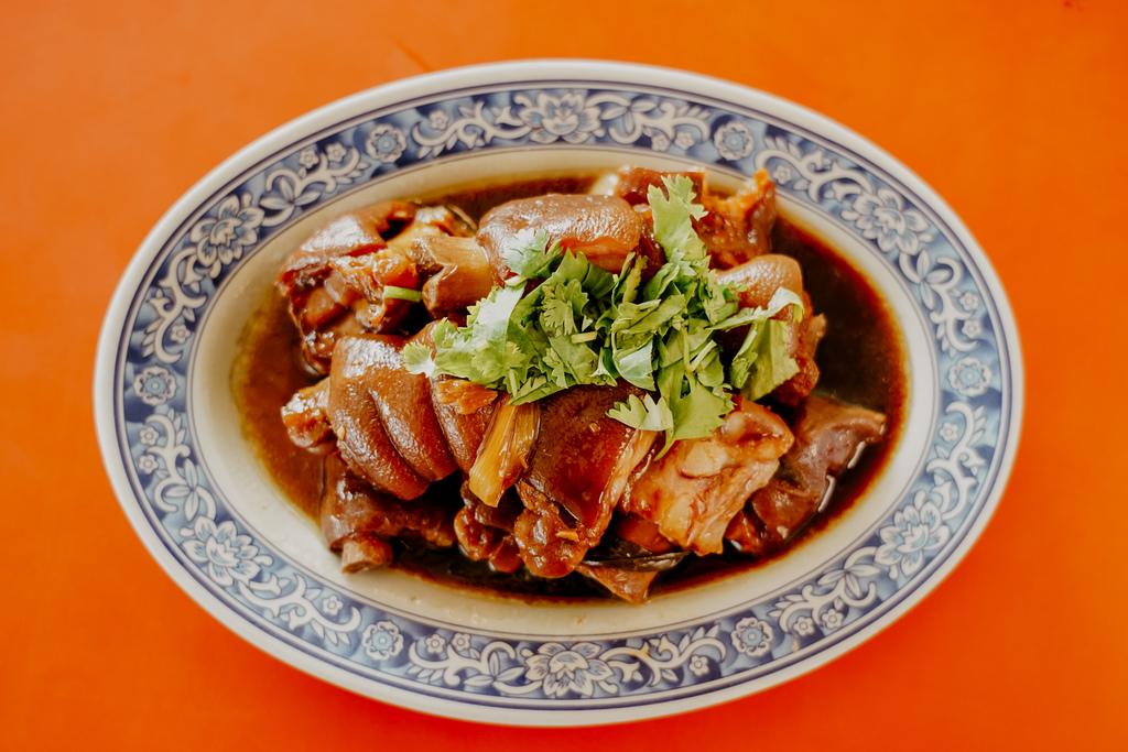 潮州美食 灘頭客家常菜 屏東潮州在地的好味道 滷豬腳、薑絲大腸、紅燒豆腐必點19.jpg