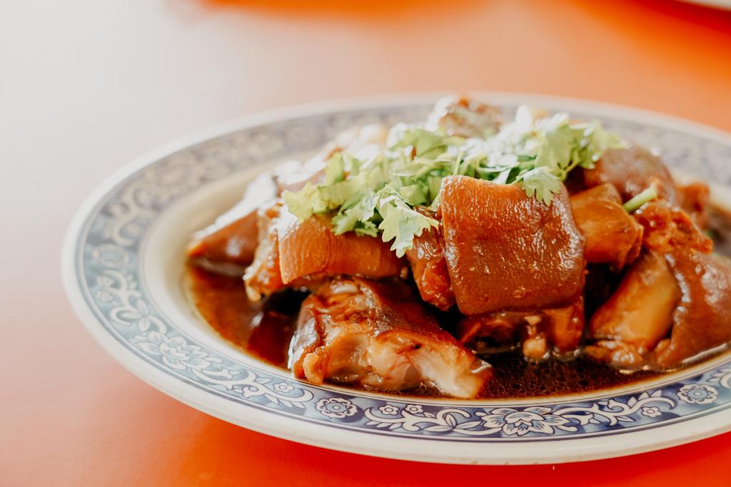 潮州美食 灘頭客家常菜 屏東潮州在地的好味道 滷豬腳、薑絲大腸、紅燒豆腐必點20.jpg