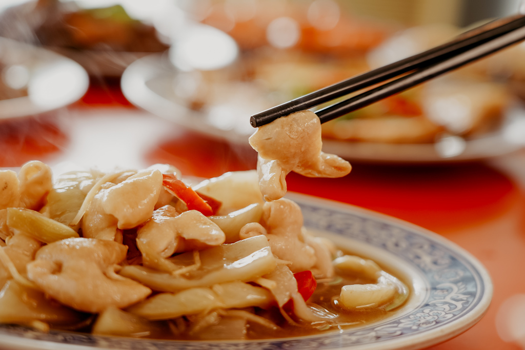 潮州美食 灘頭客家常菜 屏東潮州在地的好味道 滷豬腳、薑絲大腸、紅燒豆腐必點24.jpg